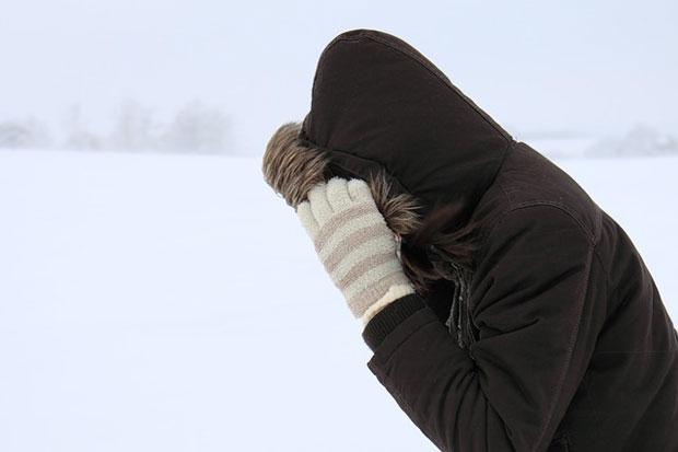 cum sa nu ingheti iarna afara