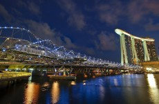 Podul construit după Feng Shui: Helix Bridge din Singapore