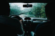 Top 10 recomandări pentru a conduce în siguranță pe timp de ploaie